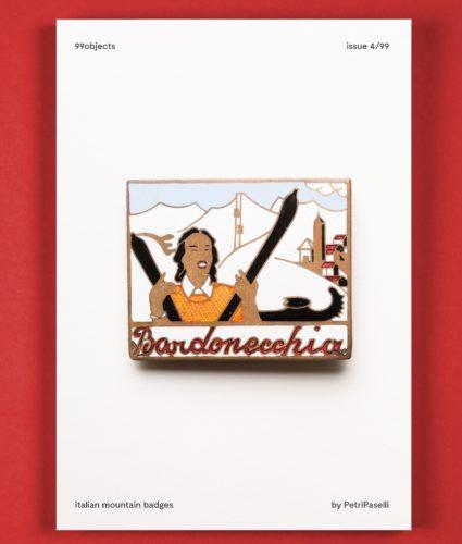 copertina del quarto volume con distintivo di montagna